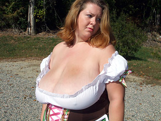 NN Huge Tits Outdoors