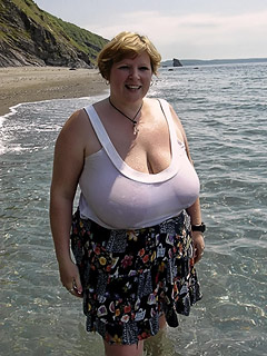 Mature nudists and naturists - photo galleries