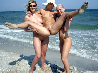 Funnt Nudist Girls