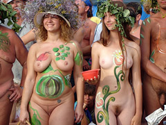 Nudist Bodypainting...