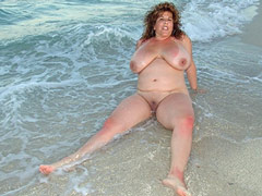 Fat Big Tits in Sea
