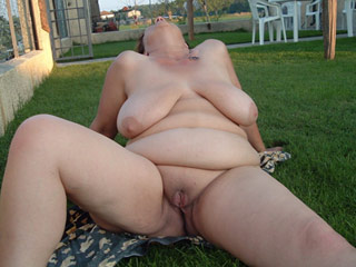 BBW Nudist Amateurs