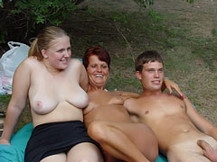 Nudist Boys with Moms